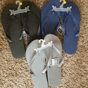 Set of 3 pairs of flip flop NWT blue, black, grey